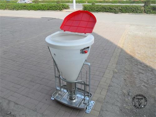 山西芮城宋经理三次订购猪八戒自动料槽