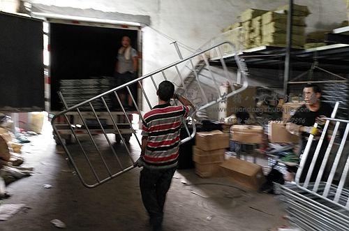 【山东】国标母猪限位栏找猪八戒养殖设备 较大的限位栏厂家