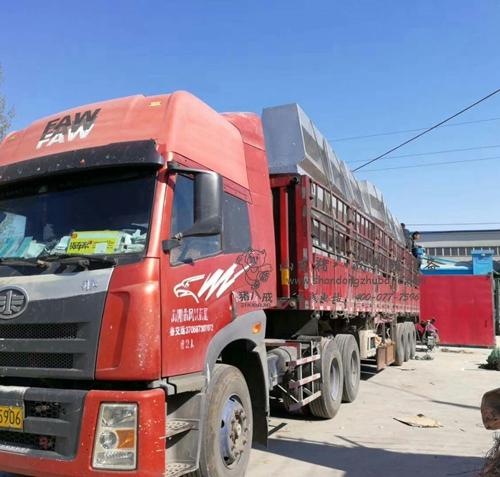 【江苏】这一车不锈钢料槽被江苏规模化养猪场订购啦!
